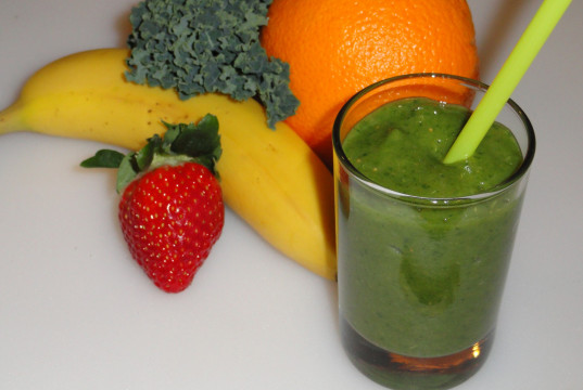 green smoothie banana orange kale